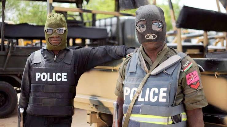 Suspected robbers in police uniform burgle ATM in Ilorin