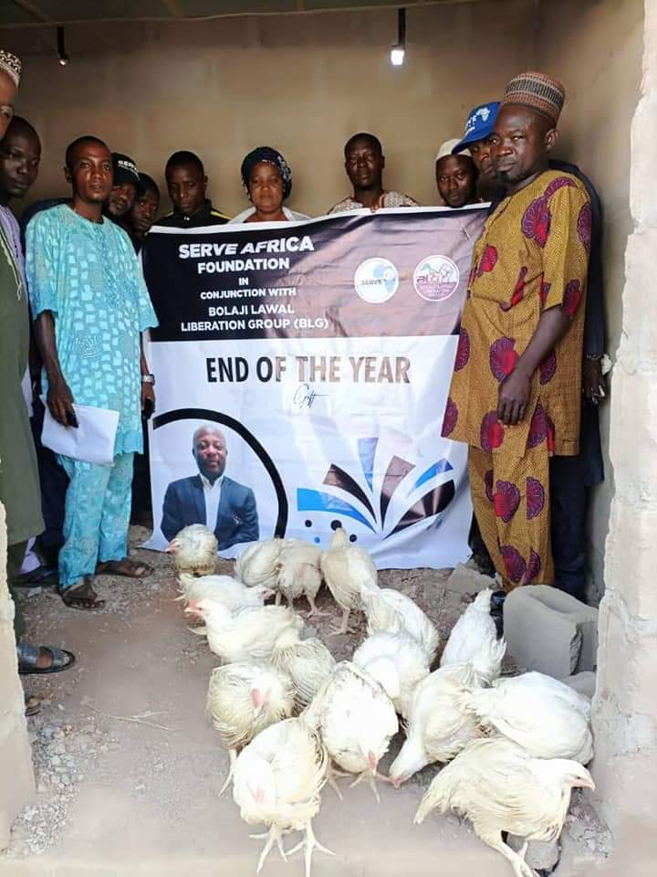BLG group distributes live chickens, rice to fasting Muslims in kwara