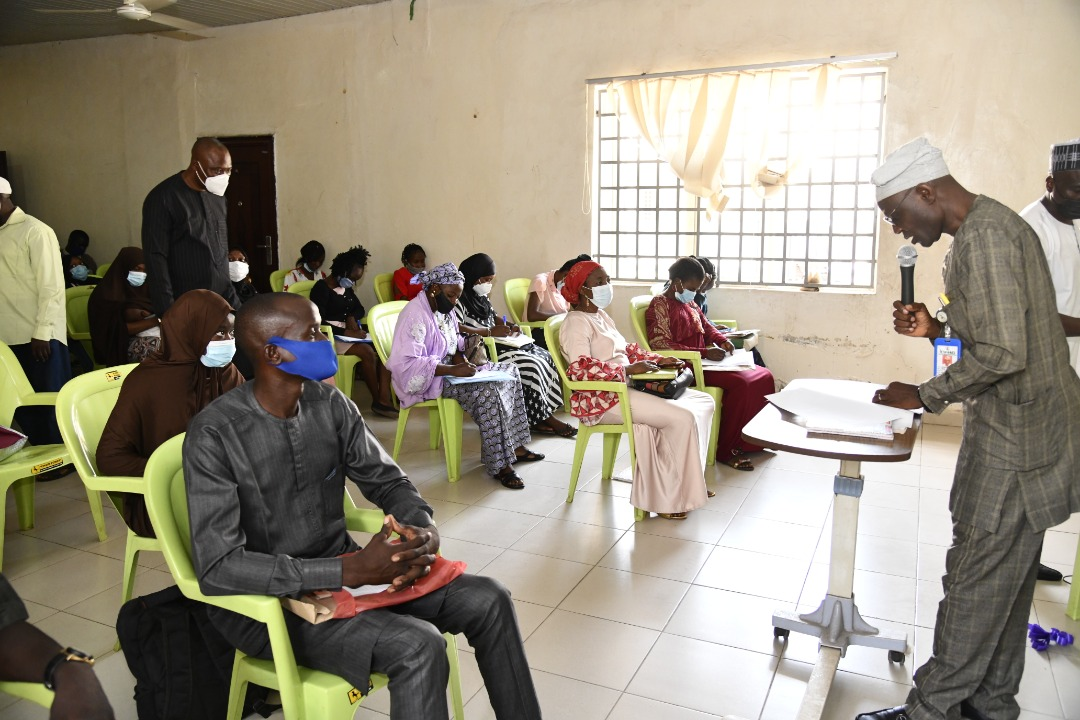 Kwara govt inducts 130 doctors, nurses, others
